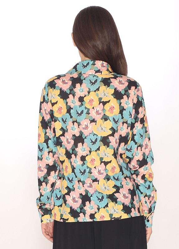 blusa-flora-escote-pico
