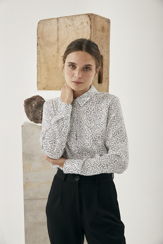 camisa-blanca-estampado-letras-lara