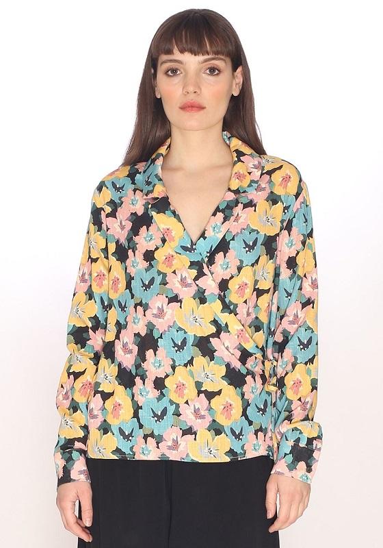 camisa-cruzada-estampado-flores