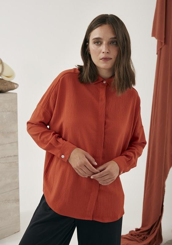camisa-naranja-mangas-largas