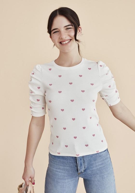 camiseta-canale-blanca-estampado-corazones