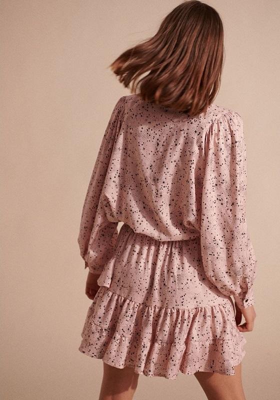 falda-alba-rosa-estampado-estrellas