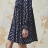 vestido-azul-estampado-flores-vintage