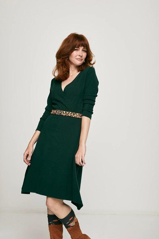 vestido-escote-pico-verde