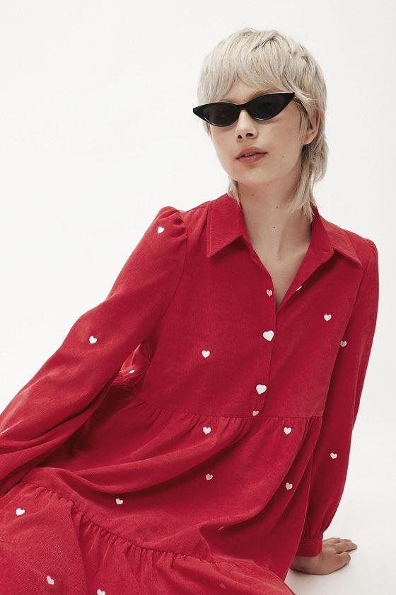 vestido-micropana-rojo-corazones-blancos