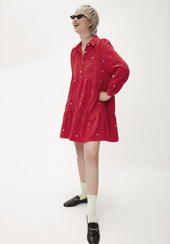 vestido-pana-rojo-bordado-corazones