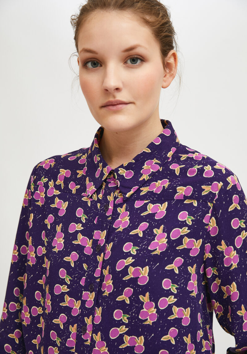 camisa-mangas-largas-print-ciruelas