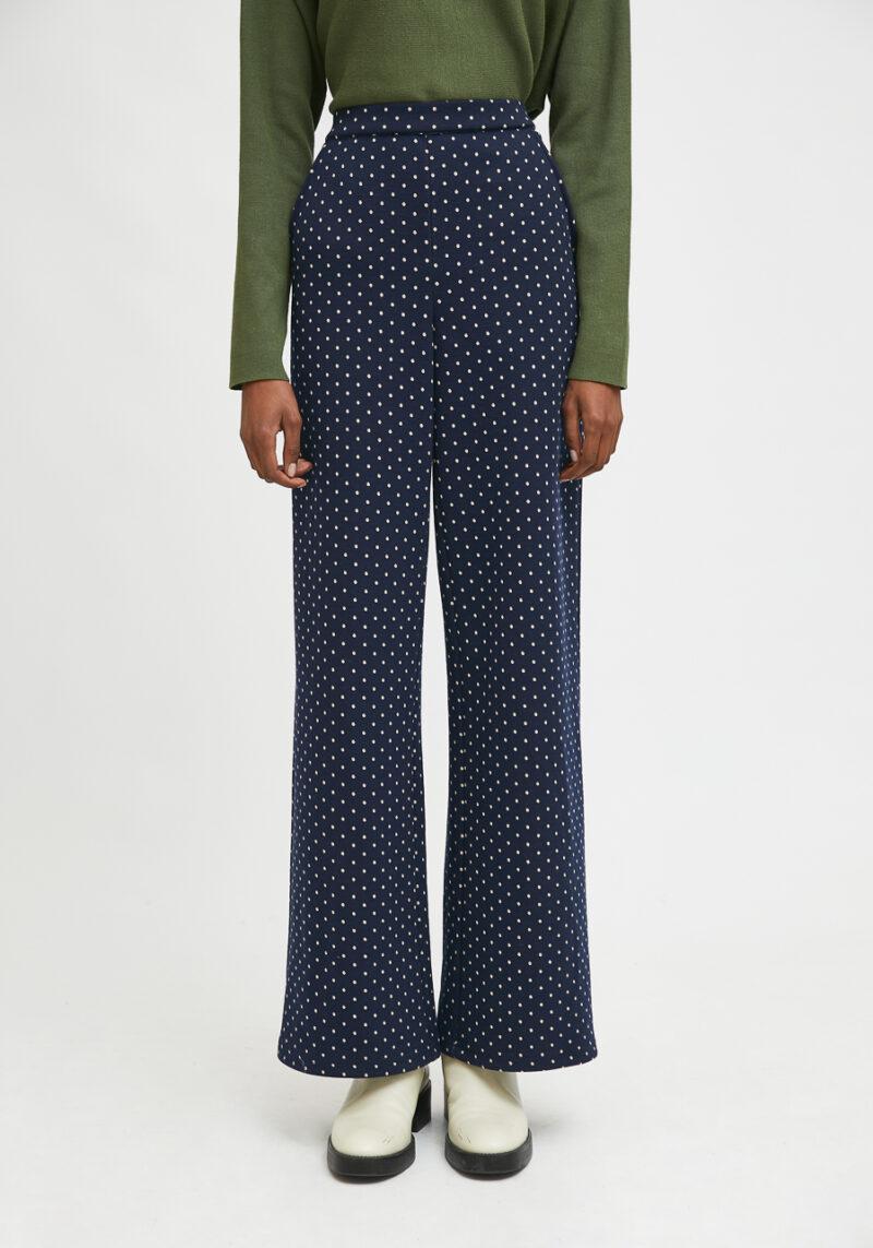 pantalones-largos-azul-marino-topos-blancos